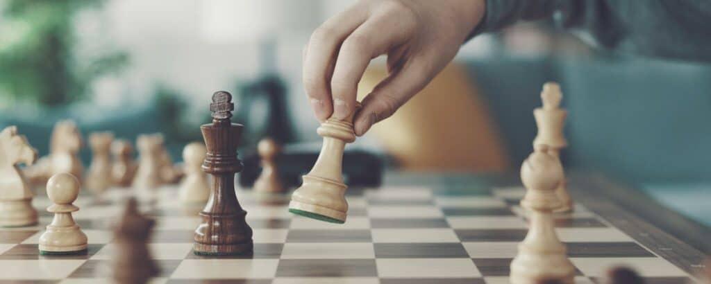 Wie beim Schach muss man auch bei der Suchmaschinenoptimierung den Gegnern immer einen Zug voraus sein